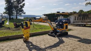 live demo of kobus pipe puller on JCB